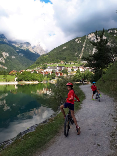 Giro del lago di Molveno in bicicletta